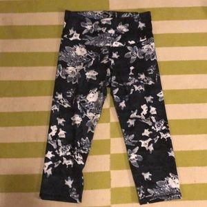 Old Navy Active floral print Go Dry pants sz L